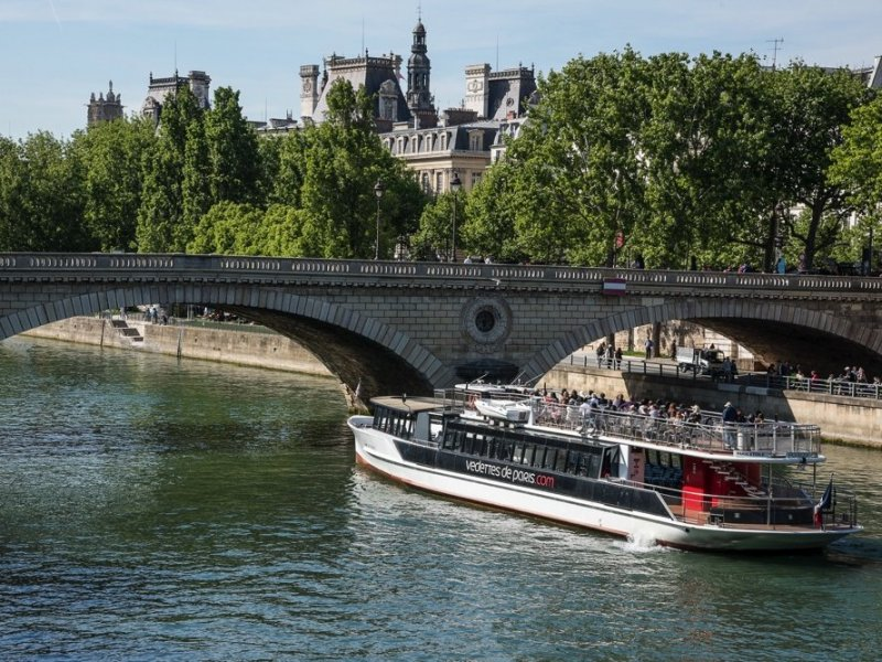 PARIS CITY TOUR: Cruise on the Seine